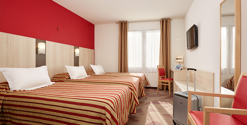 Hotel Lourdes Roissy cerca de la Gruta