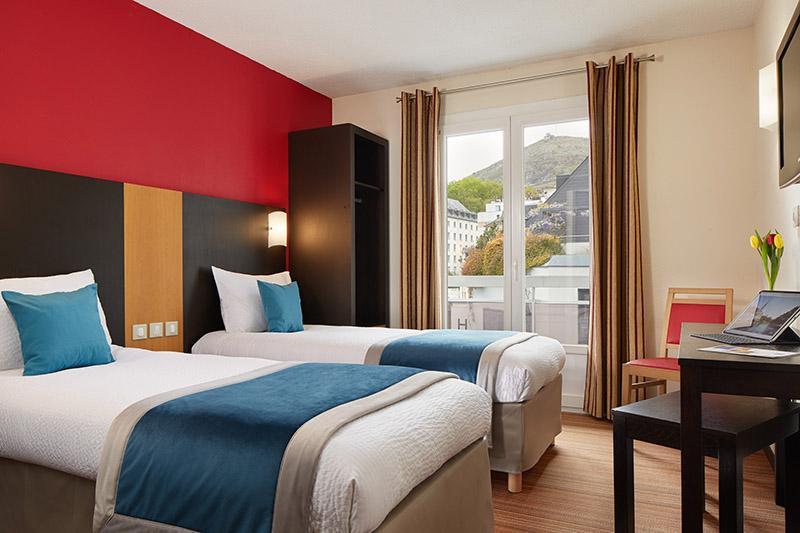 Hotel lourdes Roissy 4 estrellas cerca de la gruta habitacion doble
