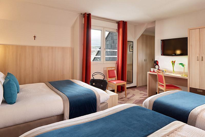 Hotel Roissy Lourdes chambre familiale 4 etoiles
