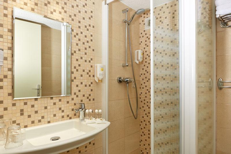 Hotel Roissy Lourdes Vierpersoons kamer - Comfort