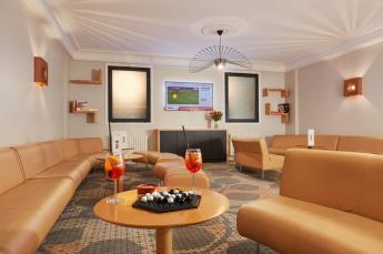 Hotel Roissy Lourdes salon moderno