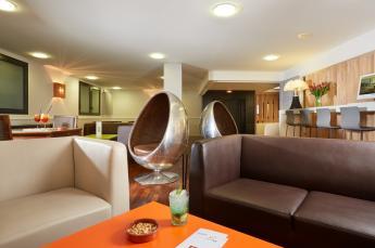De lounges van het hotel Roissy