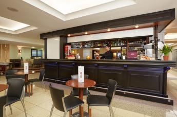 Hotel Roissy Lourdes el bar