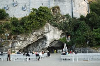 Hotel Roissy Lourdes near Massabielle grotto