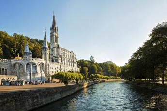 Hotel Roissy Lourdes near the Grotto ...