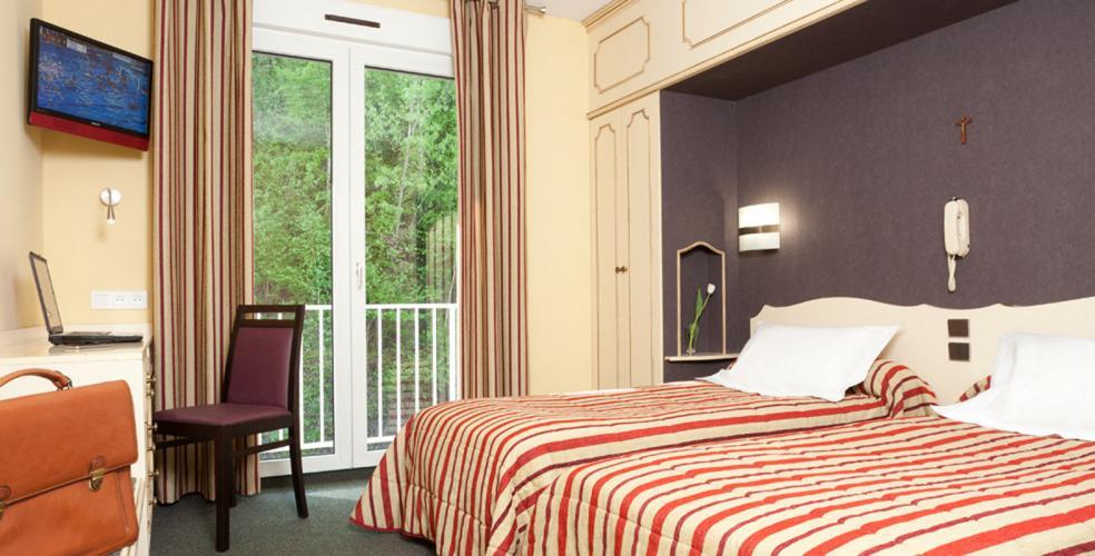 Hotel Roissy Lourdes vicino al santuario con  camere confortevoli